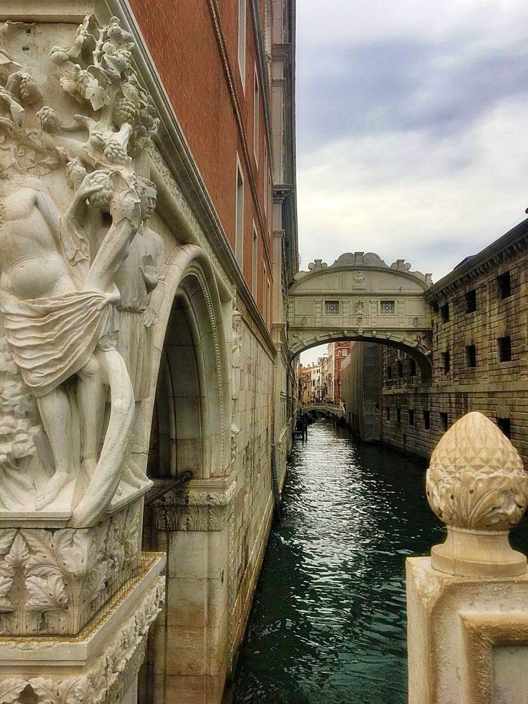 Ponte dei Sospiri, a Venezia.