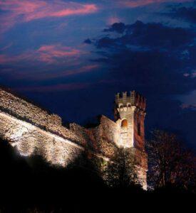 Mura e torre del castello di Catanzaro