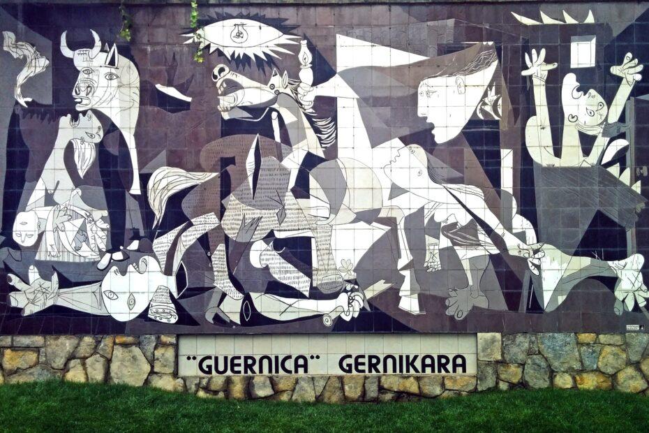 Riproduzione della Guernica su murales (credits Wikipedia)