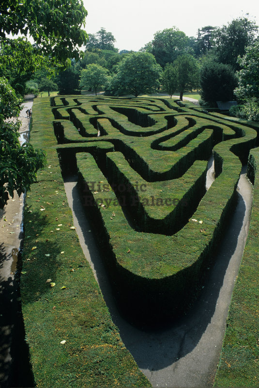 Hampton Court Palace,Vivian Russell,The Maze, looking east