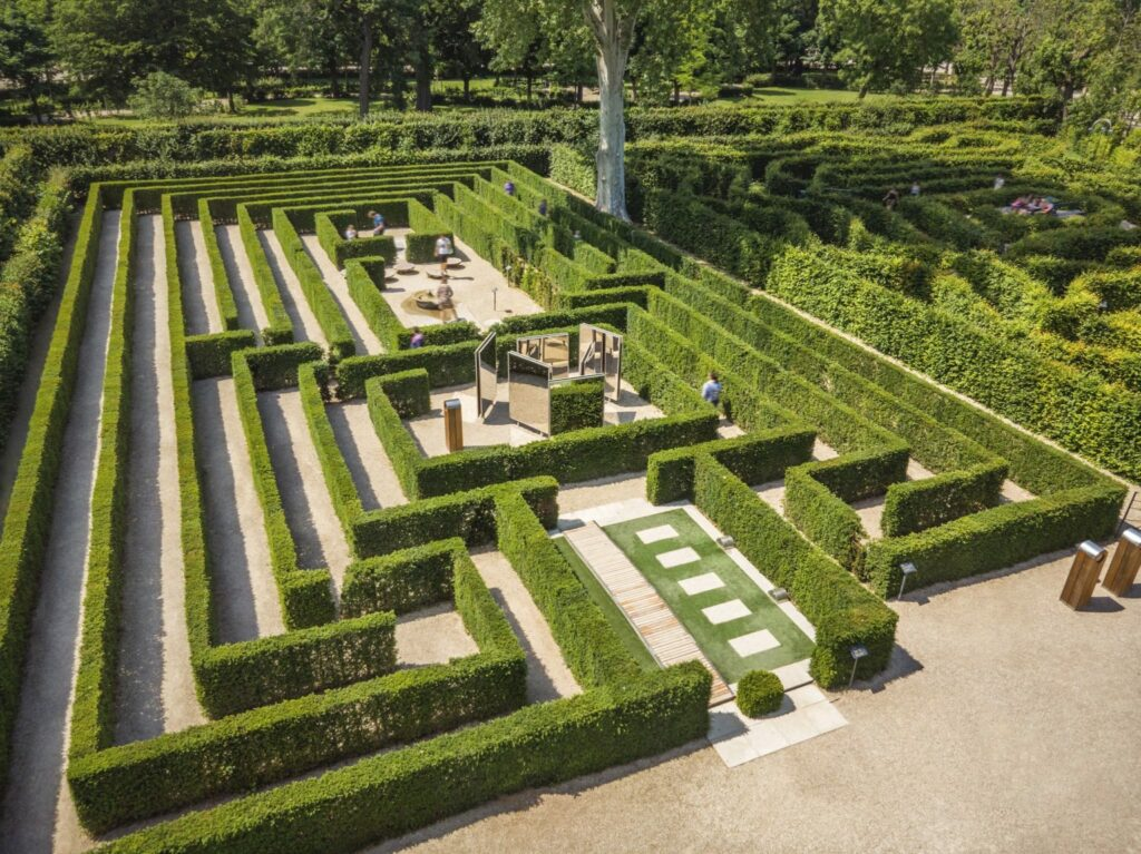 Schoenbrunn Palace, Maze and Labyrinth © Schloss Schoenbrunn Kultur und Betriebsges.m.b.H. Severin Wurnig